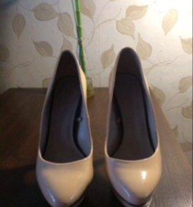 Лаковые туфли Zara