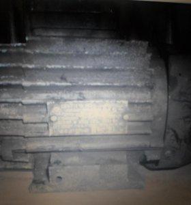 Электродвигатель 4АА63В4