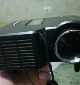 Светодиодный LED проектор LZ H30