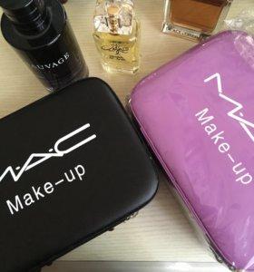Косметички-чемоданчики Mac