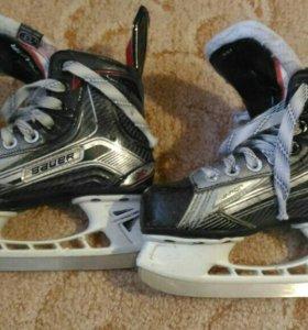 Коньки хоккейные Bauer Vapor X900 р. 31