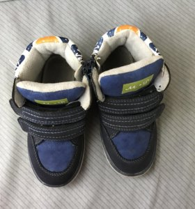 Ботинки демисезонные 27 размер
