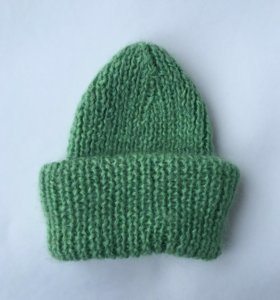 Зимняя объемная шапка