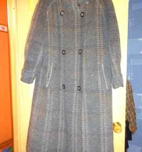 Пальто ( натуральная шерсть)