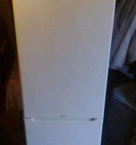Холодильник двухкамерный Стинол б.у.