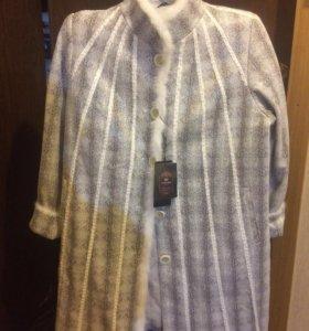 Новое демисезонное пальто (размер 54-56)