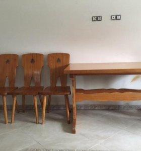 Четыре стула и стол