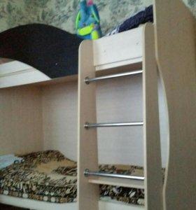 Кровать-двухярусная, подростковая.