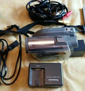 Видеокамера Панасоник VDR-D250.