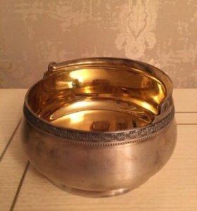 Серебряная конфетница с позолотой 875