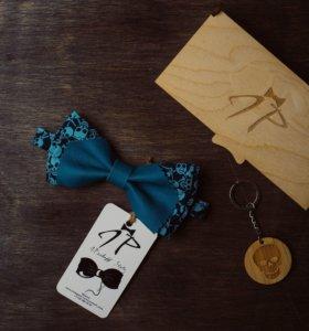 Галстуки-бабочки с кожаными вставками