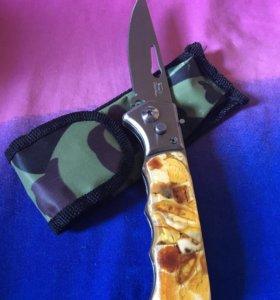 Складной нож с рукояткой из янтаря