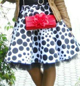 Платье пышное без лямок с корсетом