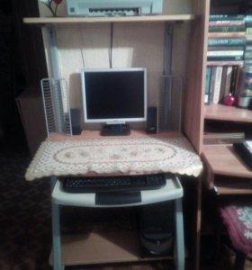 Стол компьютернвй