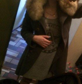 Пальто зимнее с мехом из натурального песца