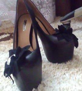 Продам туфли 38.36 размер новые