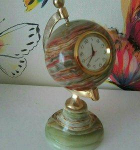 Статуэтка - часы