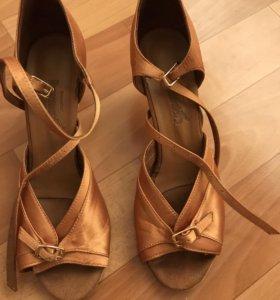 Туфли для танцев латино