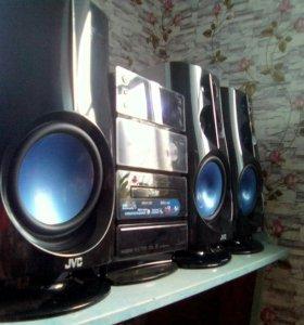 Продам или обменяю сенсорный музыкальный центр JVC