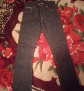 Джинсы из сырого денима nudie jeans
