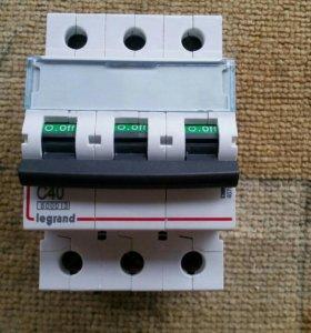 Автоматический выключатель legrand