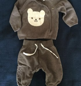 Кофта и штанишки на мальчика.