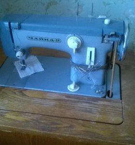 Продаю швейную машинку Чайка-2
