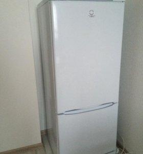 Двухкамерный Холодильник Indezit no frost