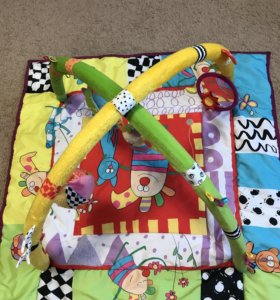 Развивающий детский коврик с игрушками Taf Toys