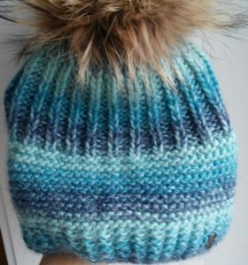 Новая теплая зимняя шапочка