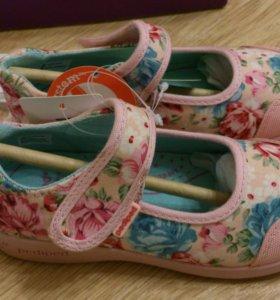 Pediped новые туфли р.26