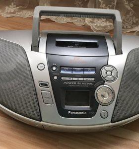 Магнитофон Panasonic.