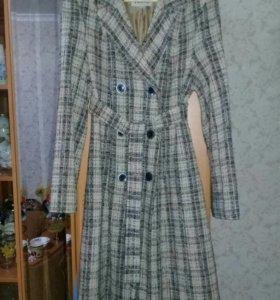 Осенне-весеннее женское пальто