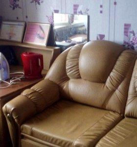 диван кожаный