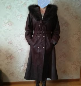 Пальто кожаное.