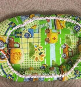Подушка-гнёздышко для малыша