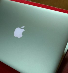 Apple Macbook Air 13 / core i7 / 8Gb RAM