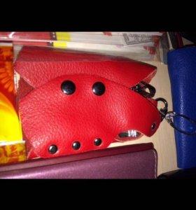Красная ключница, кожа натур