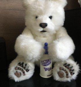 Интерактивный медведь Hasbro.