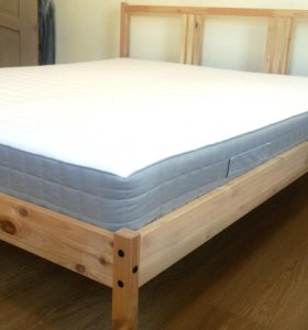 Кровать двуспальная икеа с матрасом