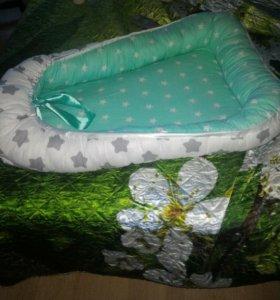 Подушка-гнездо для малыша.