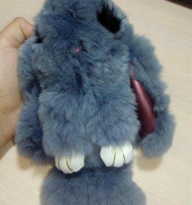 Кролик из искусственного меха.
