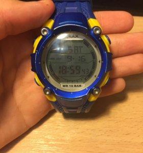 Наручные часы OMAX.
