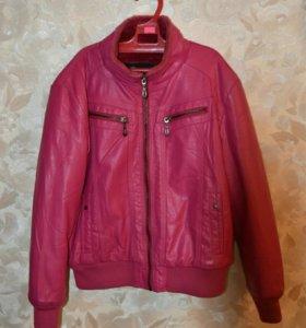 Кожаная утеплённая  куртка на девочку 10-12 лет .
