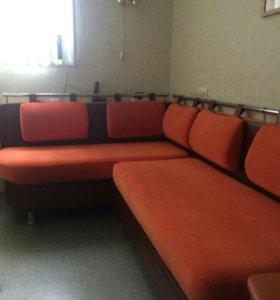 Кухонный угловой диван. (правосторонний)
