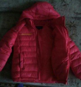 Детская куртка на мальчика 4-5 лет.