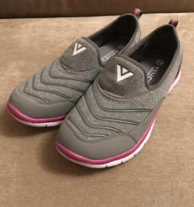 Спортивная обувь VENICE