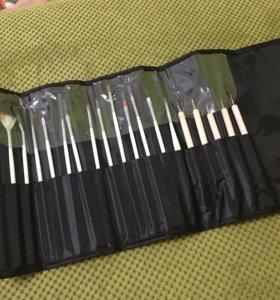 Кисточки для ногтей и 5 дотсев новые