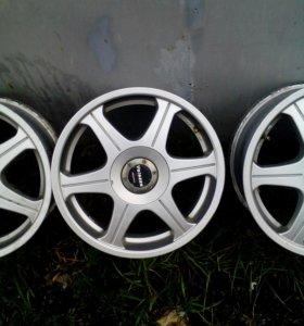 Комплект литых дисков Velezza R 16