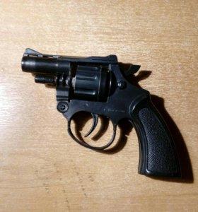 Пистонный пистолет